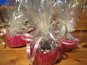 holiday kindness cupcakes