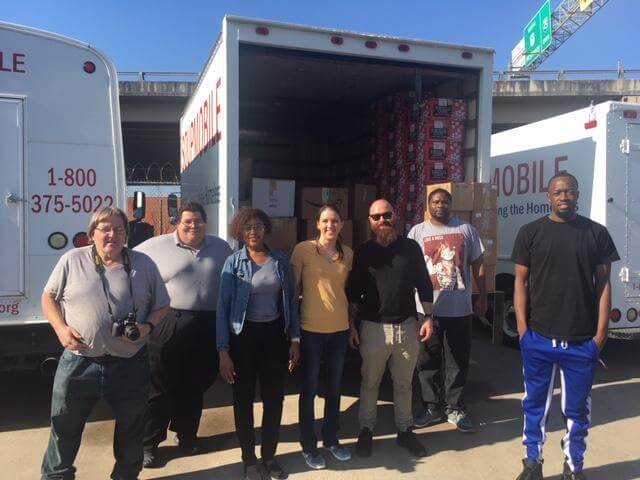 SHYC attendees loading up donations with SoupMobile