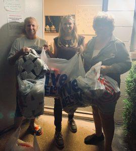 volunteers at the children's closet
